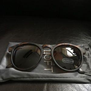 Matte Tortoiseshell Sunglasses with Case